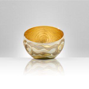 """Das Label verzaubert mit handgefertigter, vergoldeter und versilberter Glaskunst """"Made in Austria"""". © KOLARZ"""