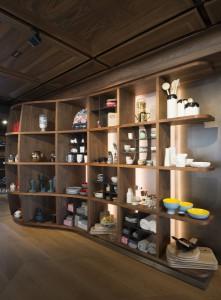 In Wien-Gersthof spiegeln sich die Seliger-Spezialitäten vom Boden über die Möbel bis zur Decke. © Seliger