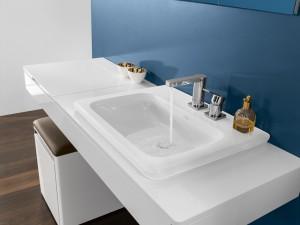 Ein stylischer Hingucker und mehr sind die Vivia Waschtische mit besonders tiefen Becken. © Villeroy & Boch