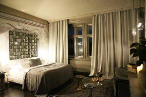 Eintreten: Andi Lackner gestaltete zwei Zimmer im Boutiquehotel Altstadt Vienna. © Inge Prader