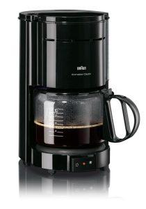Genuss in Black & White: Die Braun Aromaster Filterkaffeemaschine KF 47/1 glänzt in zeitgemäßen Looks. © Braun