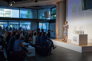 Die feierliche Preisverleihung ist ein erstes Highlight der globalen Elektronikmesse. © UX Design Awards/ IDZ
