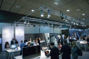 Mit einer Sonderausstellung stehen wieder die innovativen Top-Produkte im Rampenlicht. © UX Design Awards/ IDZ