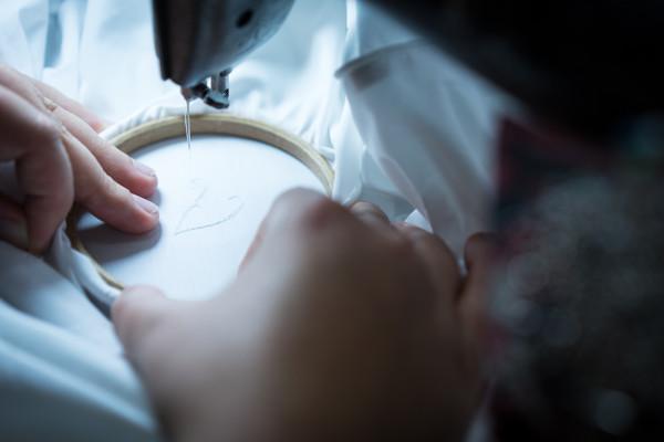"""Edel, fein, """"made in Vienna"""": ZUR SCHWÄBISCHEN JUNGFRAU tritt mit raffinierten Textilien ins internationale Rampenlicht. © KOPFOTO Johann Kopf"""