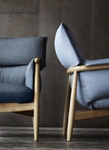 Weiche Pölster und ein schlichtes, von jeder Perspektive sichtbares Holzgestell zeichnen das neue Möbelhighlight aus. © Carl Hansen & Søn