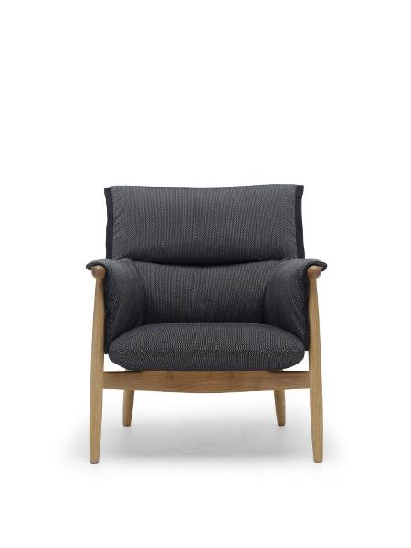 Platznehmen und Sitzenbleiben – dazu lädt der Embrace Lounge Chair ein. © Carl Hansen & Søn