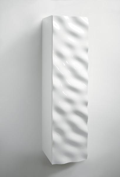 Schick und in unterschiedlichen Maßen erhältlich, komplettiert ein Schrank die Badmöbelserie, die aktuell bei Klomfar gezeigt wird. © Klaus Fritsch