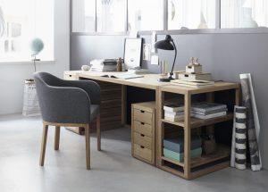"""Reduziert & klar: Der Schreibtisch Quint verkörpert die Stilwelt """"maskulin"""". © Grüne Erde"""