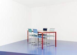 Puristisch, fein und in flottem Rot fasziniert M38 von Tecta und Andree Weißert. © Daniel Hofer