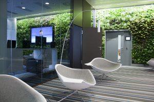 Auch das Office wie bei Microsoft erhält mit Vertical Magic Garden einen gesunden, grünen Look & Touch. © Vertical Magic Garden
