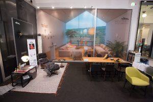 Mit Vitra präsentierte Grünbeck eine zweite starke Marke auf der Designmesse im MAK. © Moni Fellner