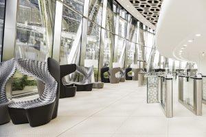 """Home, Office – beides: Der neue Sessel """"Drum"""" von Cappellini, designed von Mac Stopa, macht hier und dort gute wie abstrakte Figur. © Cappellini"""