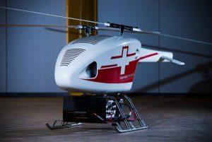 """Möbel sind ihre Spezialität. """"Wir kreieren aber auch gerne andere Produkte"""", so Heike Guggenbichler, wie diesen Helikopter © guggenbichlerdesign"""