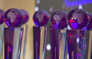 Glänzend wie die Produkte und Projekte sind auch die SBID International Award 2016-Trophäen für die Gewinner. © SBID