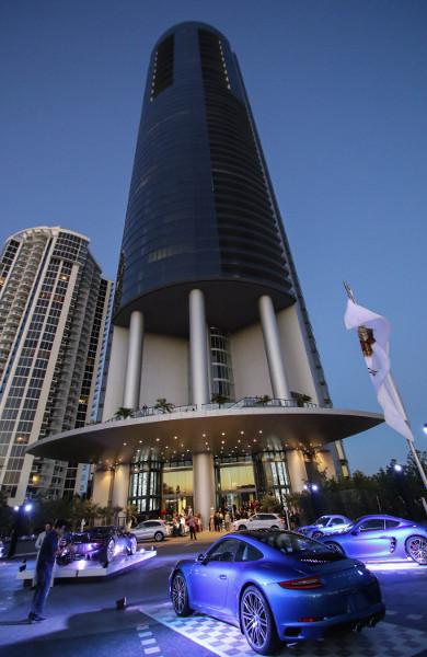 Ein Design Tower voller Luxusküchen:wohndesigners | {Luxusküchen 24}