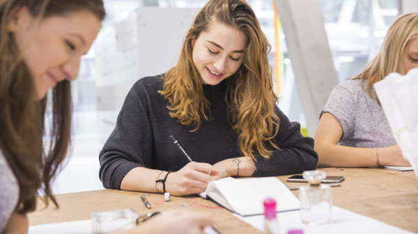 Wegweisendes design thinking wohndesigners for Design thinking tisch
